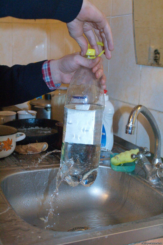 Как сделать умывальник из пластиковой бутылки своими руками 100